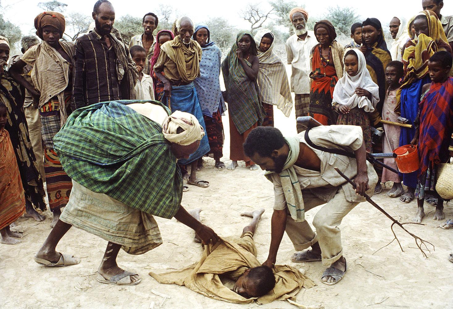 Somalia_Famine_4_PRINT: Somalia: Andrew Holbrooke Photography: andrewholbrooke.com/somalia/Somalia_Famine_4_PRINT