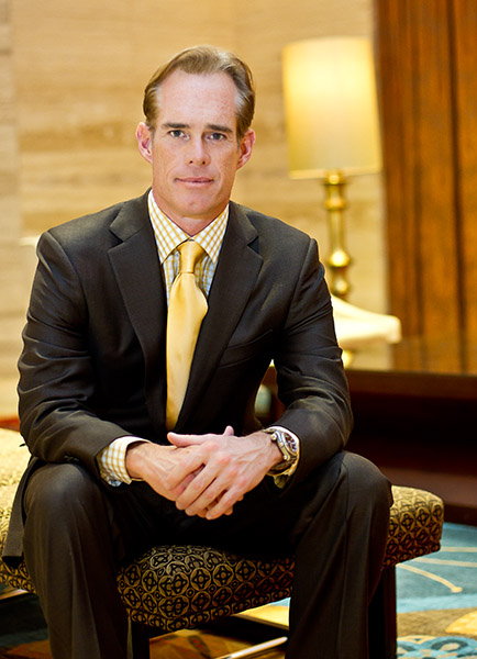 Joe Buck in Dallas to commemorate his Super Bowl apperarance