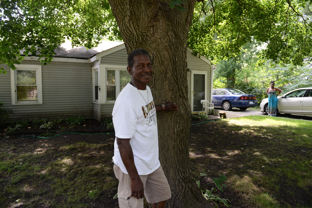 MARKHAM, ILLINOIS. LC Riley, who was repeatedly punched, kicked in the ribs, stomach and face as well as hit with a phonebook while in custody at Area 2 in 1985 as detectives worked to successfully coerce a confession out of him for a murder robbery, in his living room on July 25, 2016.  Riley spent 20 years in prison for a crime he said he did not do and believed it was retaliation for an earlier charge he successfully defeated in court.