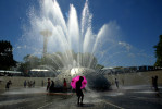ducey-travel-fountain-umbrella