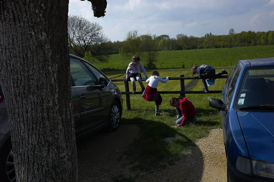 Kids playing outside the Chateau de Villandry, May 2013