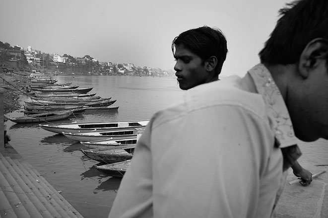 Full_view_Varanasi_two_men_8