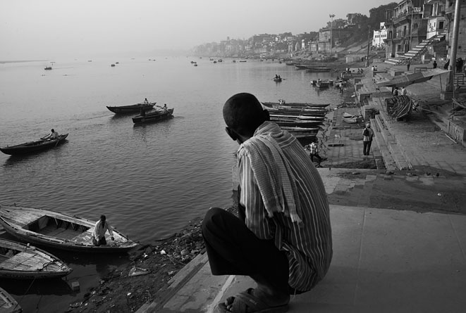 Full_view_Varanasi_with_man_8
