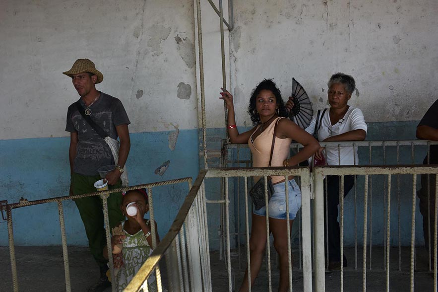 Habana_ferry_arrival_for_web