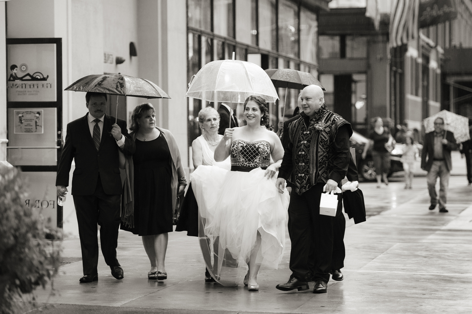 rainy wedding day in NYC. NYC wedding photographers