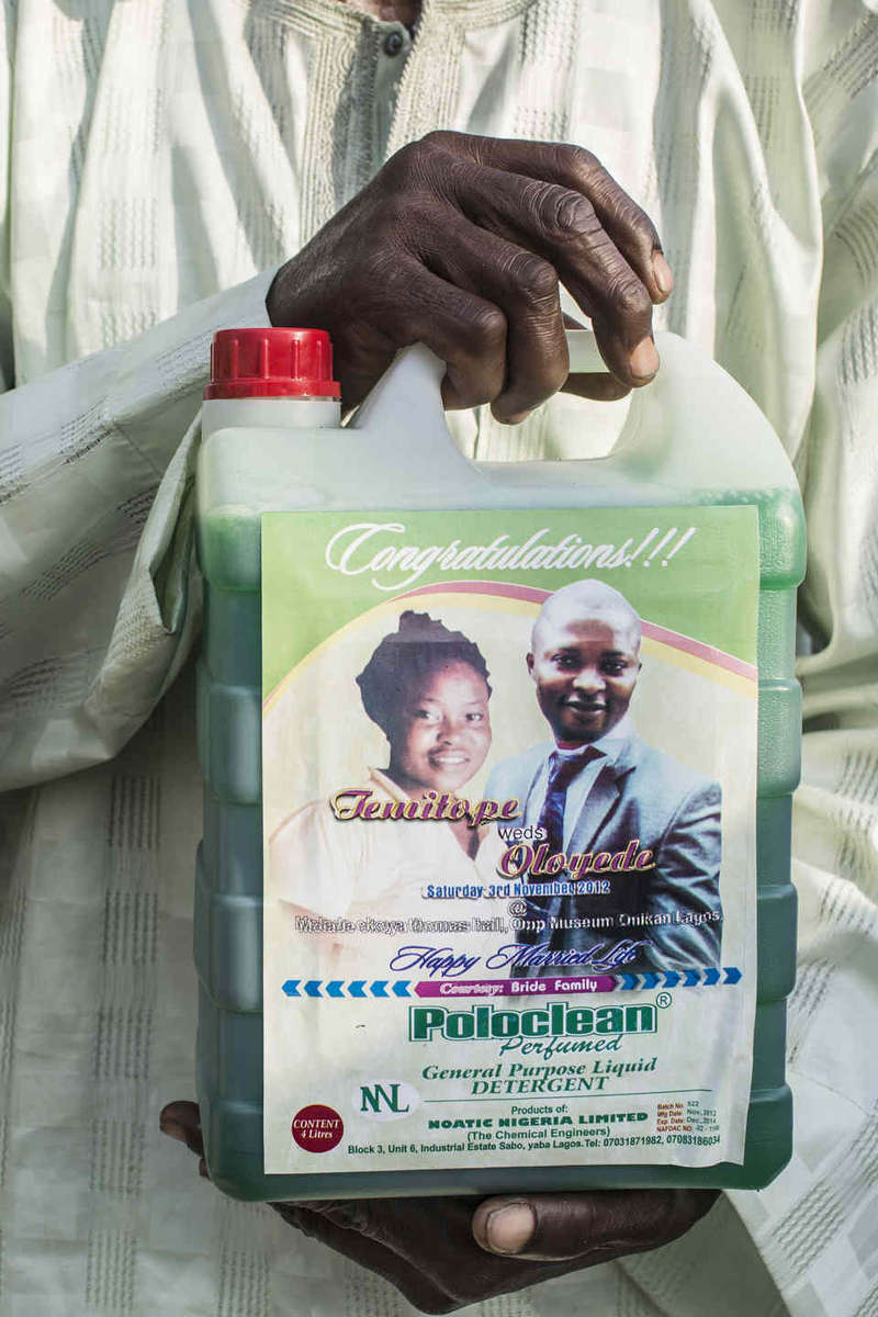 Families of the bride and groom always give gifts to the guests. At one wedding, a giant bottle of dishwashing detergent complete with the couple's face was passed out to guests. Guests also contribute financially to weddings, often buying drinks or paying for different portions of the lavish affairs.