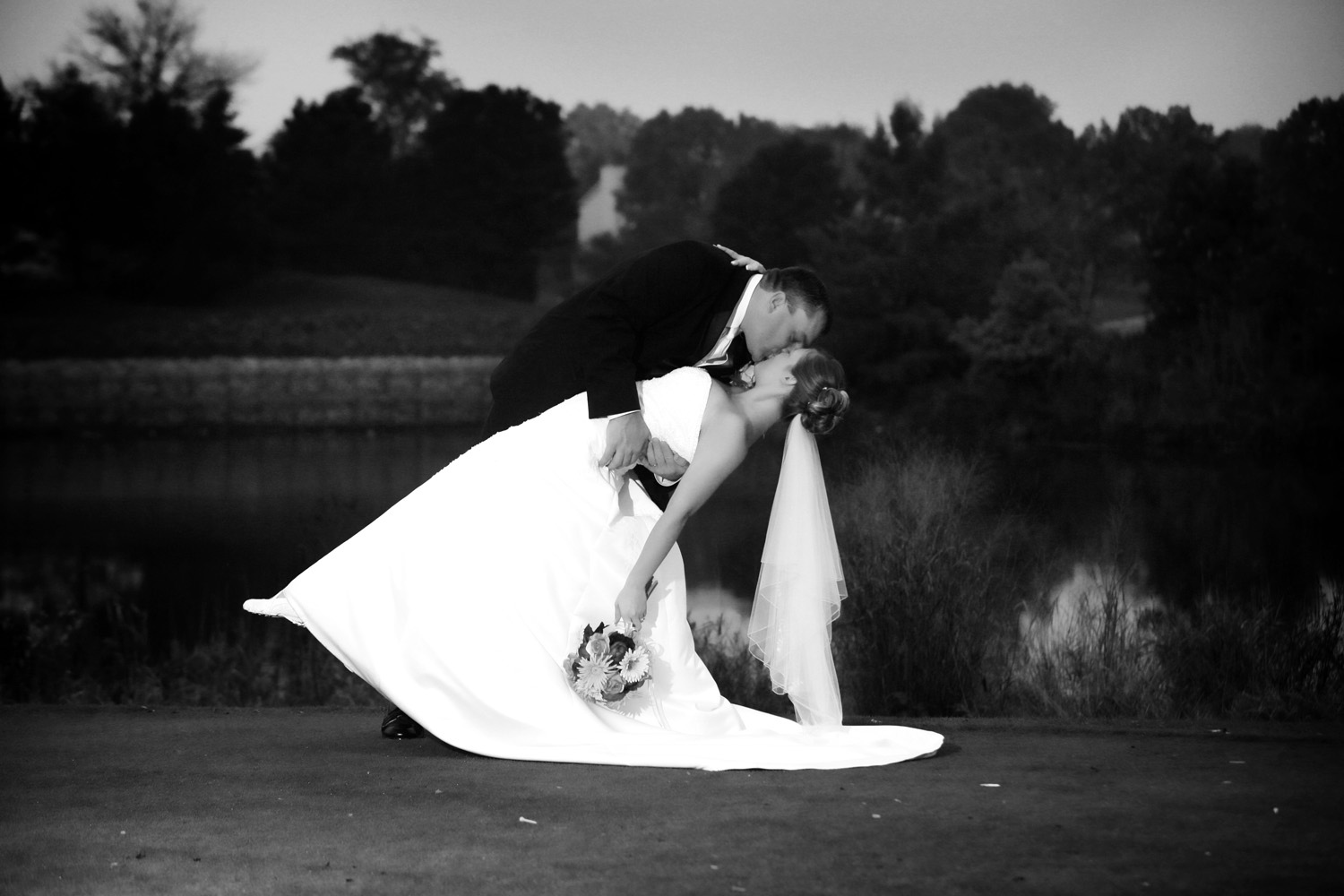 wedding pictures black and white