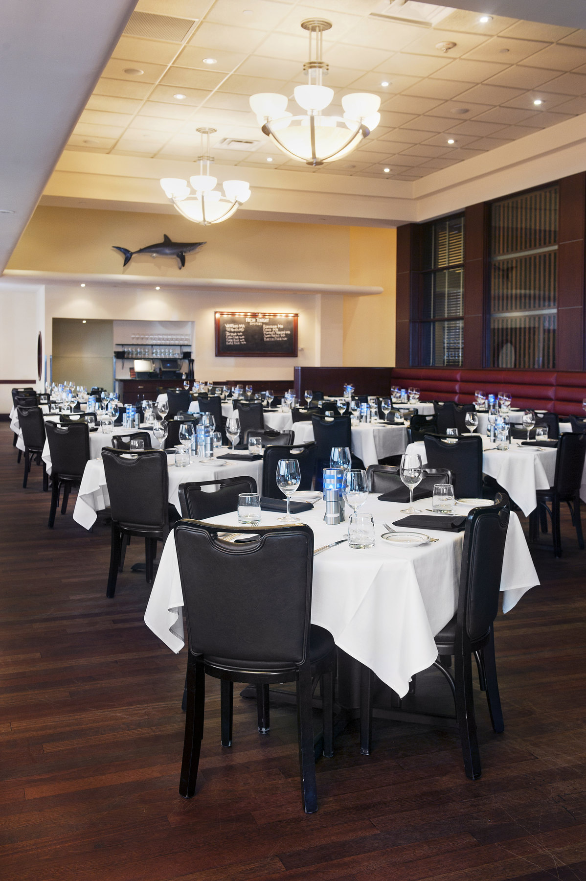 Oceanaire_Main_Dining_1_023