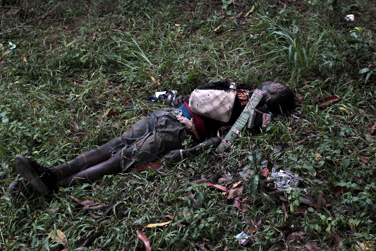 Dec 6,after an Anti Balaka attack to take the city of Bossangoa from the Seleka milicias ,bodies lie on the streets.