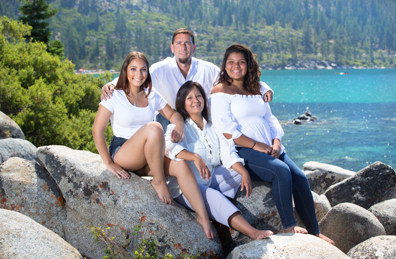 Tahoe-blue-water-family-session