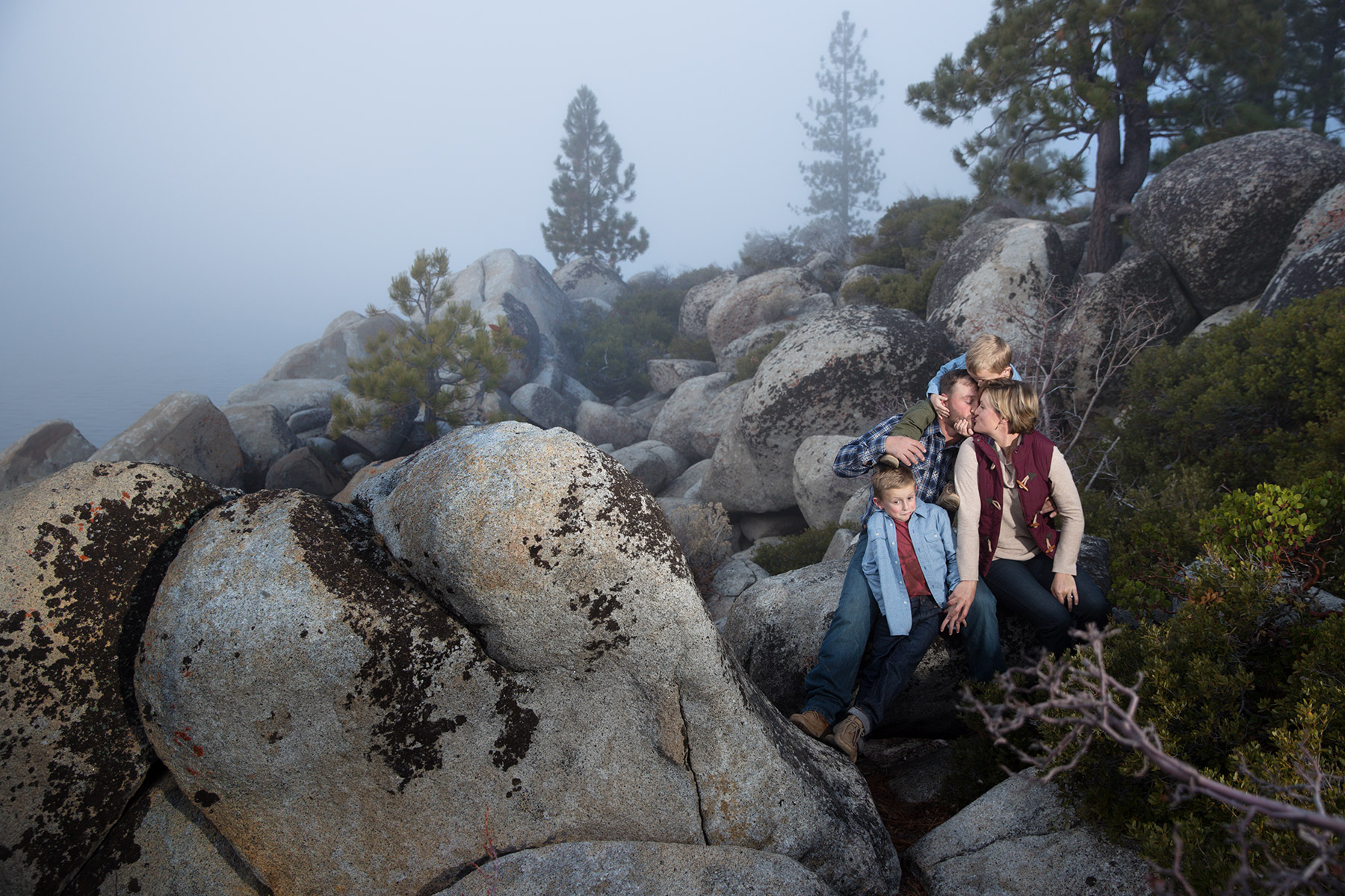 Tahoe-photo-in-the-fall-with-fog