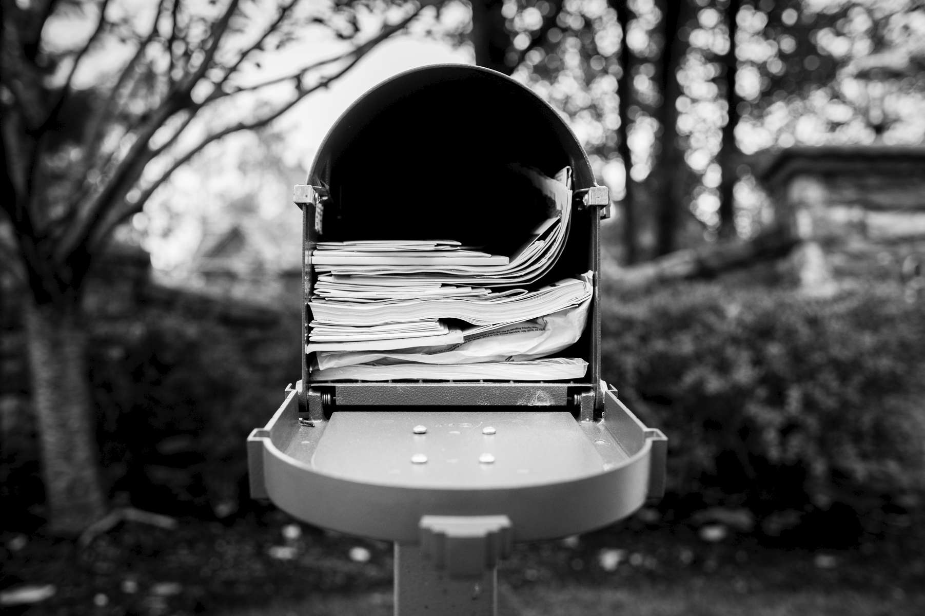 Like clockwork, Mom always picked up the mail at the end of each day. This full mailbox signified to me that something was very wrong as it was clear that she had not gotten the mail in a week. Ordinary tasks were becoming very challenging for her.