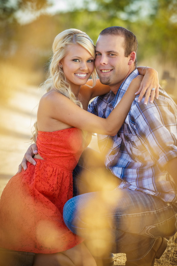 Peters_Canyon_Regional_Park_engagement_session_with_natural_light_at_sunset_003