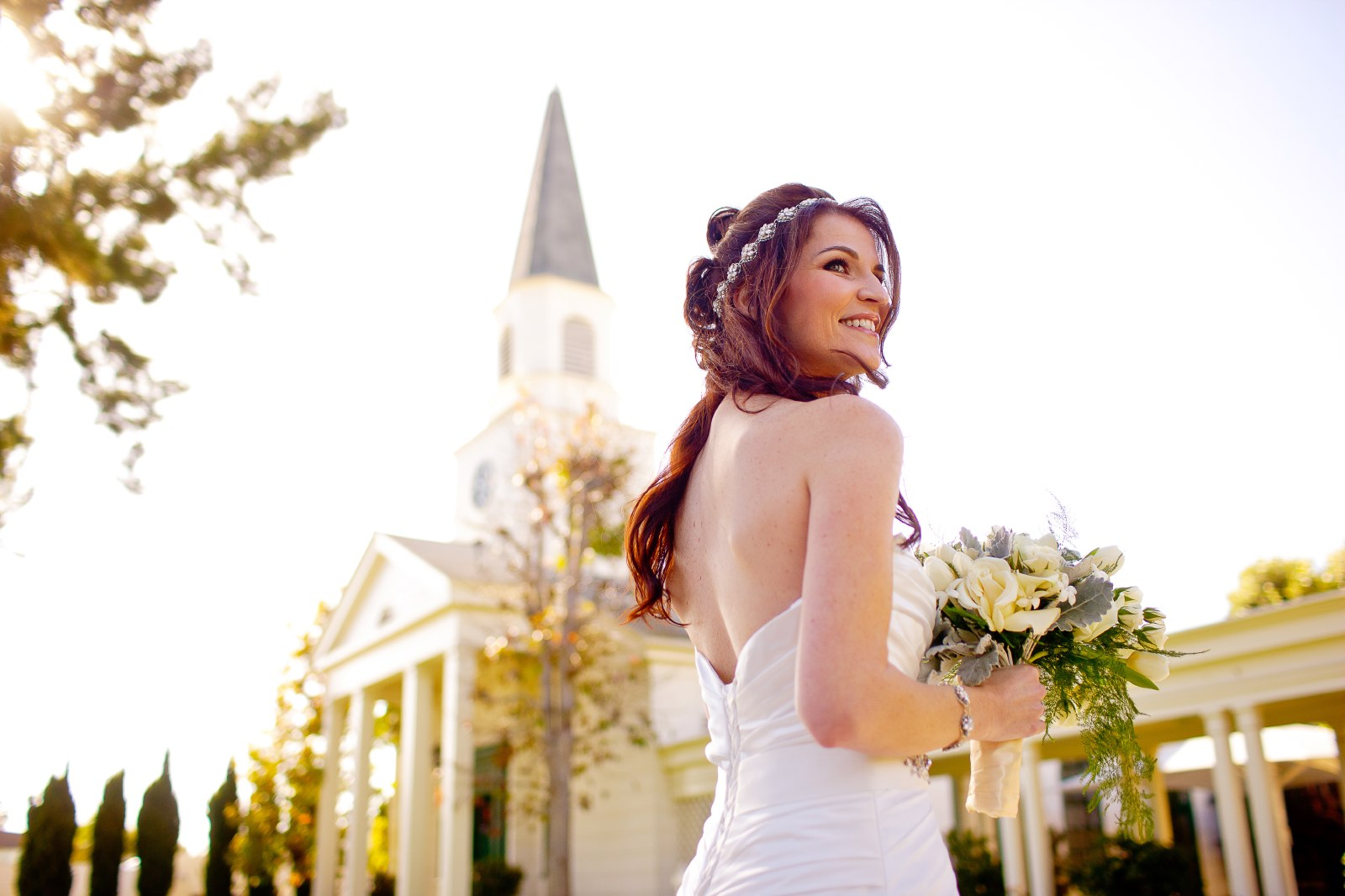 bridalk-portraits-at-Community-Congregational-church-