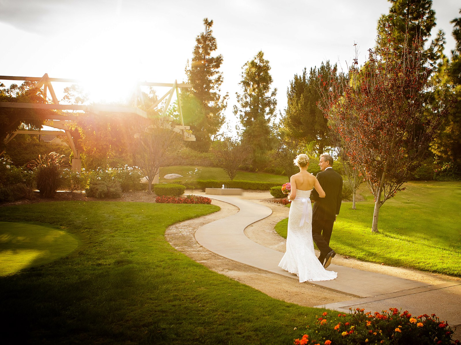 coyote-hills-outdoor-ceremony-location-at-sunset