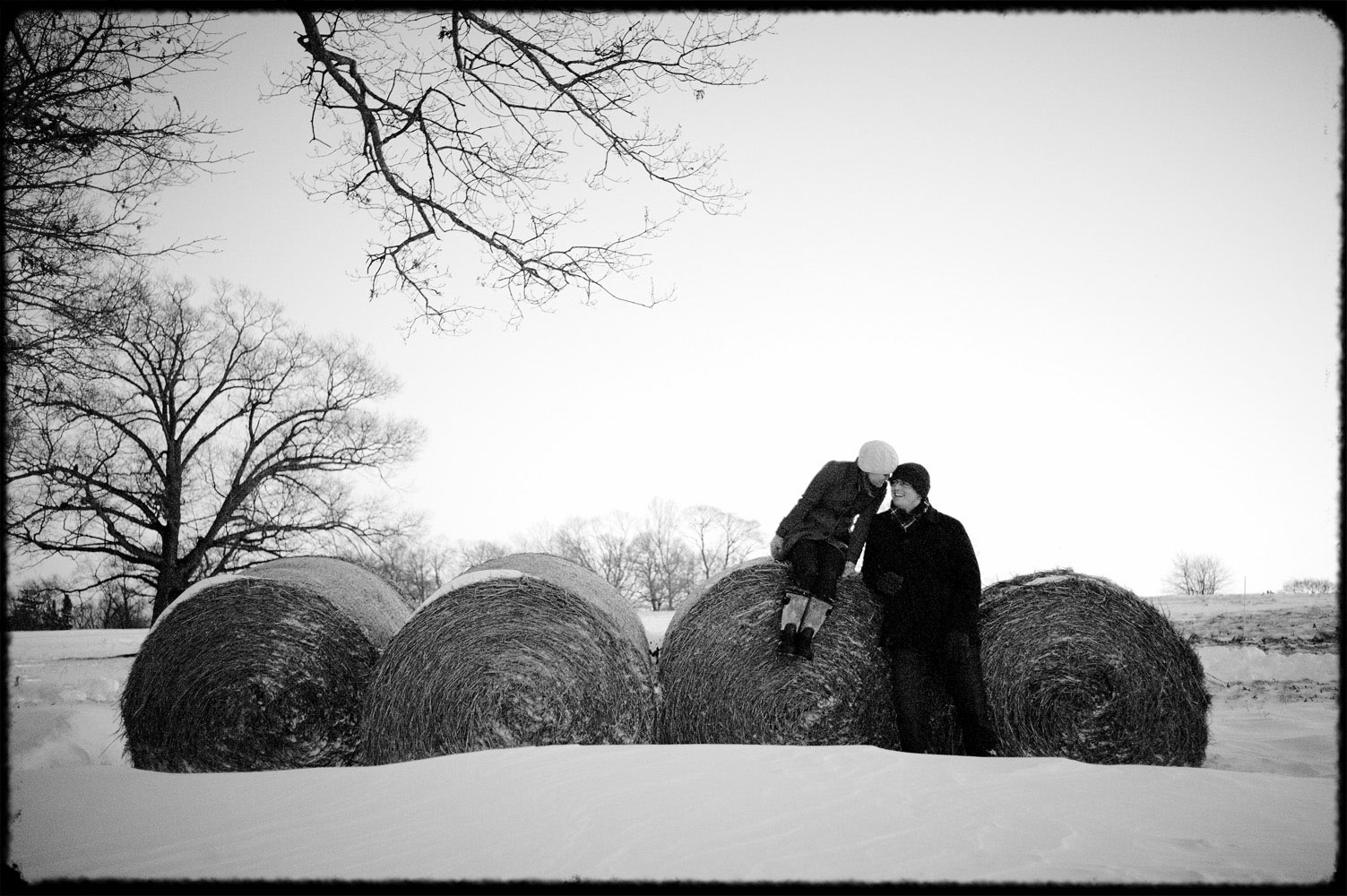 appleton_farm_straw_bales_in_winter_engagement_session