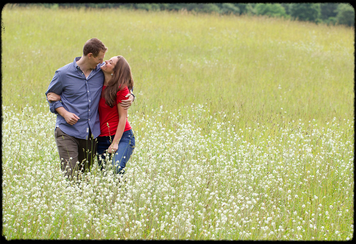 backyard_virginia_engagement_session_country