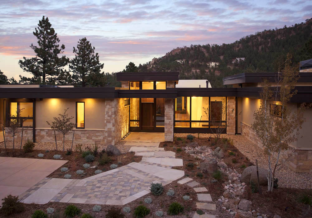 Mountain living contemporary homes mosaic architects for Modern mountain house