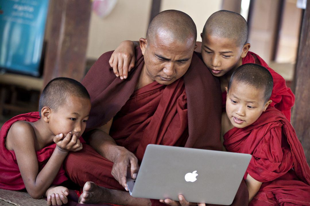 This was likely the first time these monks had ever seen a laptop. They were absolutely captivated.Minnanthu - Bagan, Burma