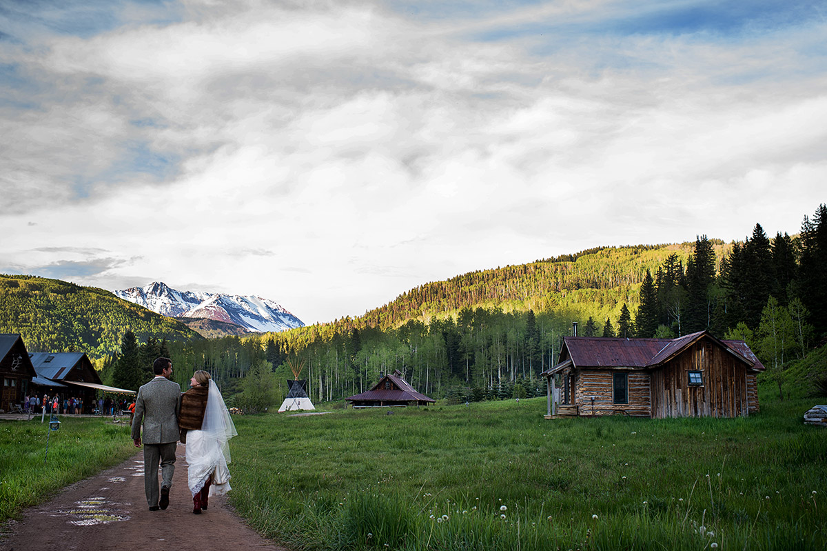 beth-ed-dunton-hot-springs-063-colorado-wedding-photographer-theilen-photography