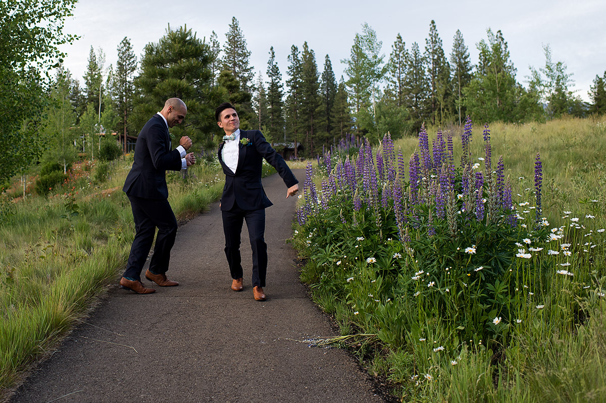 gabe-billy-martis-camp-truckee-050-lake-tahoe-wedding-photography-theilen-photography