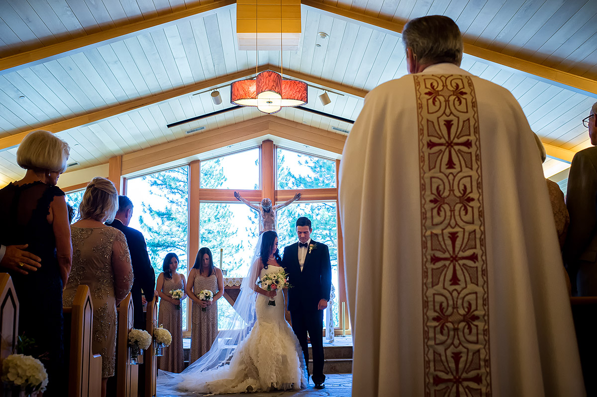 jeni-sean-016-zephyr-lodge-northstar-truckee-wedding-photographers-theilen-photography