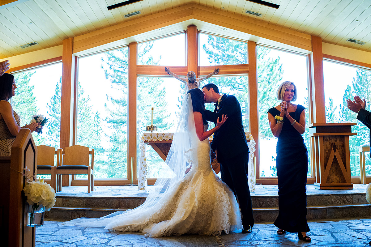 jeni-sean-023-zephyr-lodge-northstar-truckee-wedding-photographers-theilen-photography