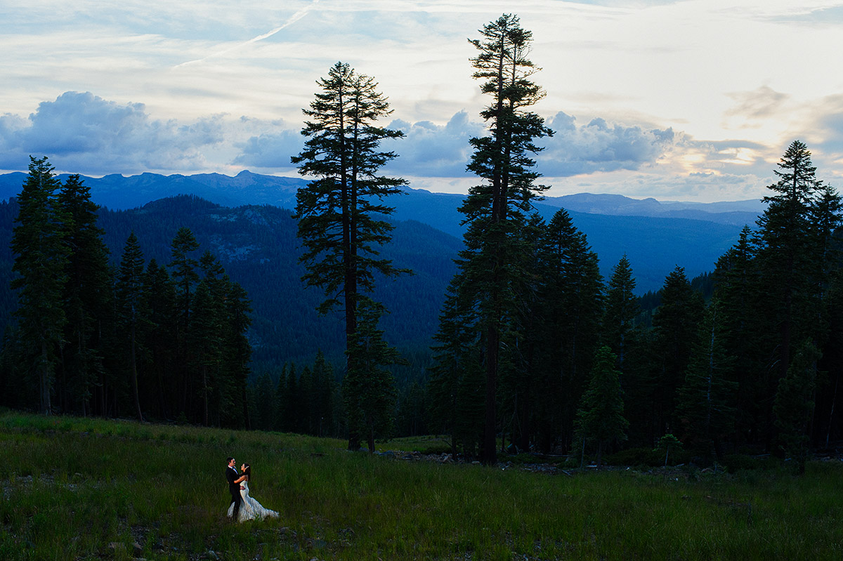 jeni-sean-034-zephyr-lodge-northstar-truckee-wedding-photographers-theilen-photography