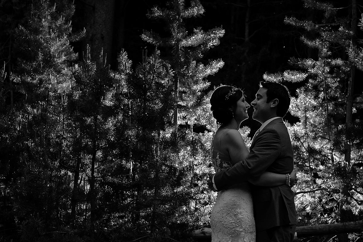 katie-brian-plumpjack-squaw-valley-035-lake-tahoe-wedding-photographers-theilen-photography