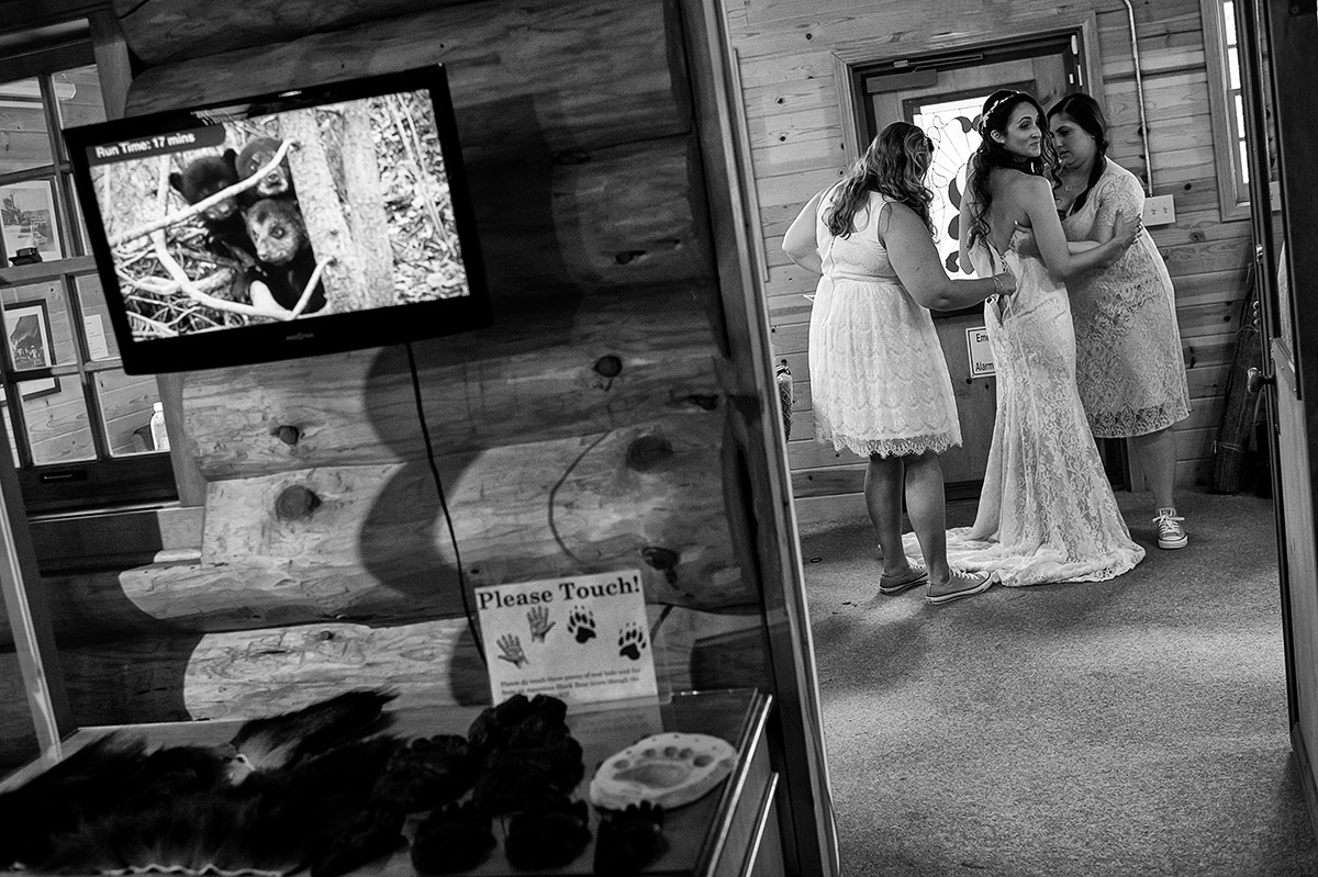 ren-josh-006gatekeepers-museum-tahoe-city-lake-tahoe-wedding-photography-theilen-photography