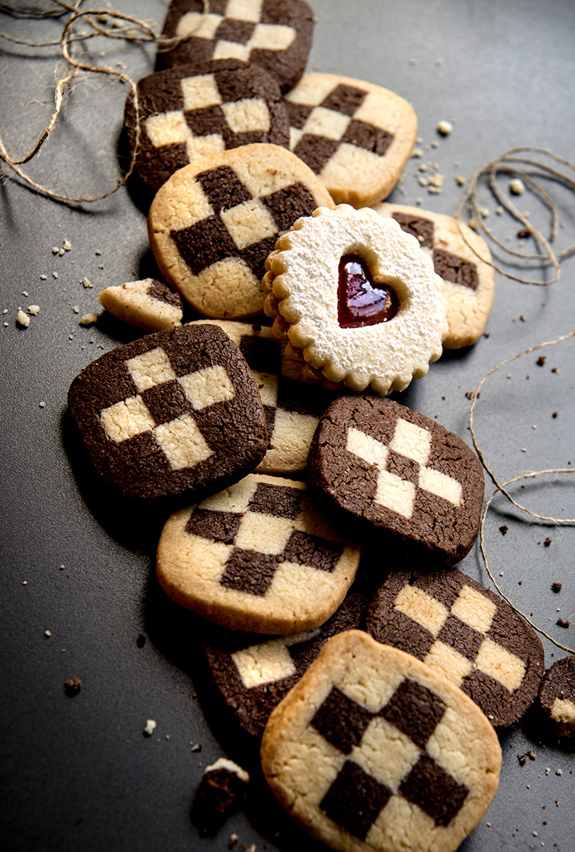 checker-cookies-one-heart