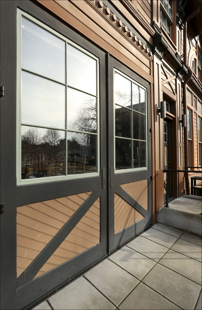 Ladd_Carriage_House_A_P_Pro_-_8_