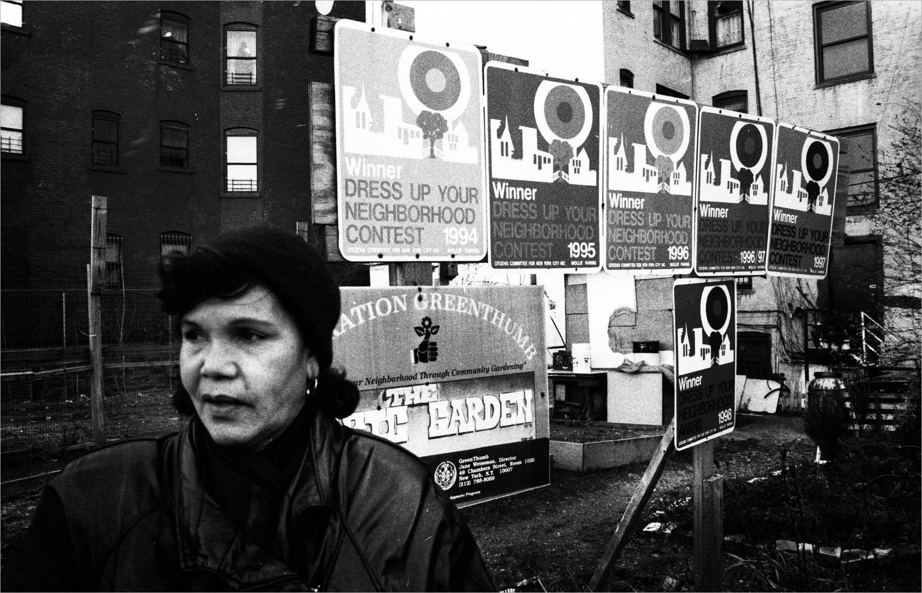 {quote}Community Garden Wars{quote} is a snapshot of a larger body of work which documents New York City's community gardens, and the struggle to keep them from being destroyed. New York City, 1997-2000.Photograph by © Samantha Box1997-2000 © Samantha Box