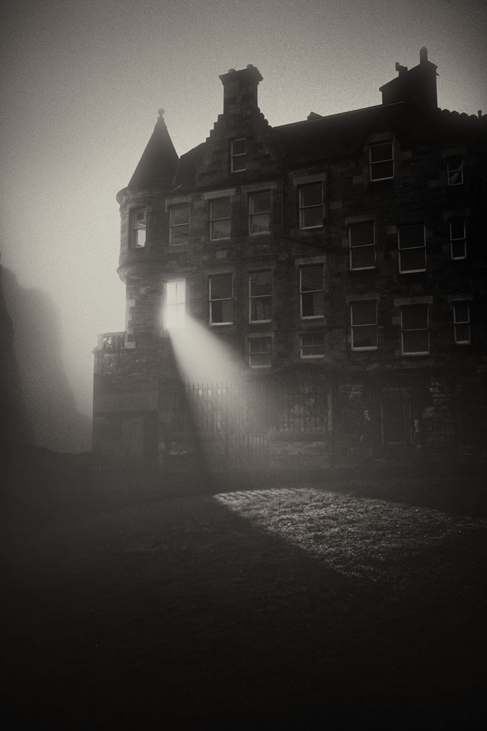 Greyfriars graveyard in darkness