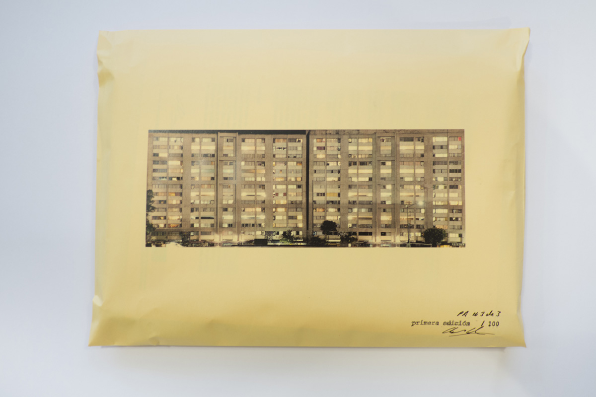 Documentation of poster of Ventanas, Tlatelolco desmentido.