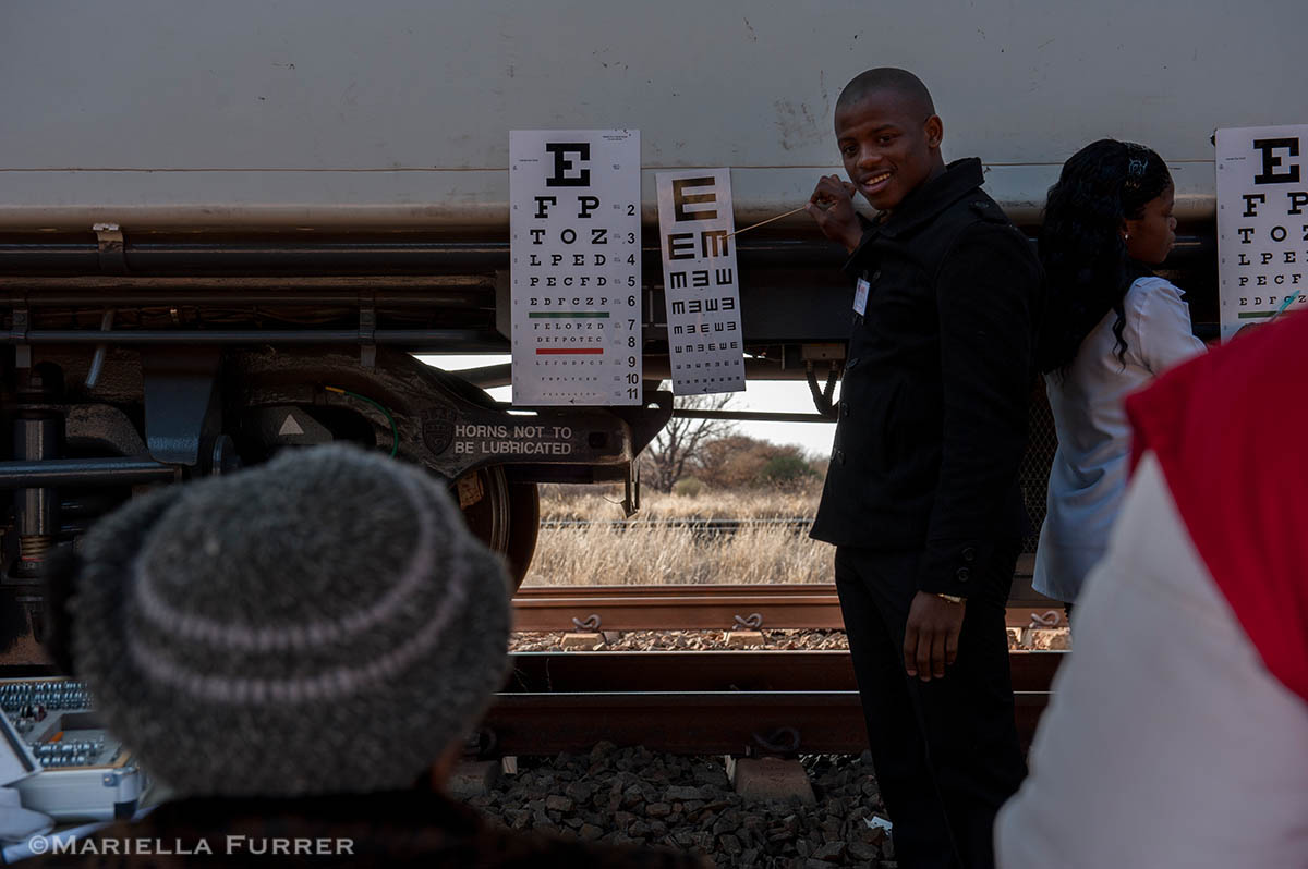 The Phelophepa Health Train sponsored by Transnet Foundation, Roche, and Air Liquide stops at Wincanton in the Northern Cape to provide services to surrounding areas. The train has a dentist carriage, Optomitrist carriage, and Psychology carriage. 40 Students arrived today for two weeks. Psychology and Optometry Students are from University of KwaZulu Natal. Nursing Students are from University of Johannesburg and Dental Students are from University of Witwatersand in Johannesburg.