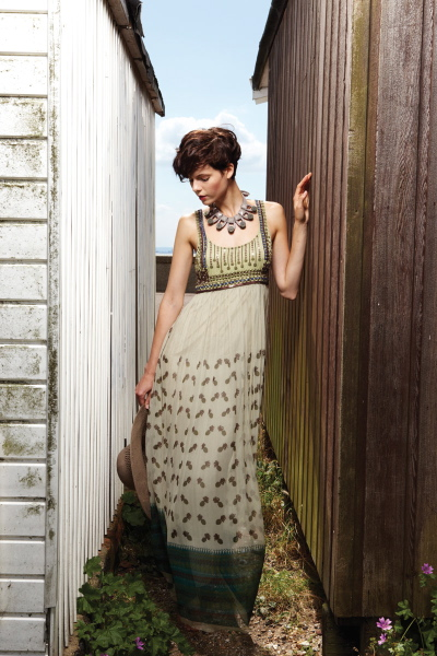 40033 PINACC DRESS, LONG WHEAT (WT-140)__80039 SORE NECKLACE, GRAPHITE GREY (GRG-82)