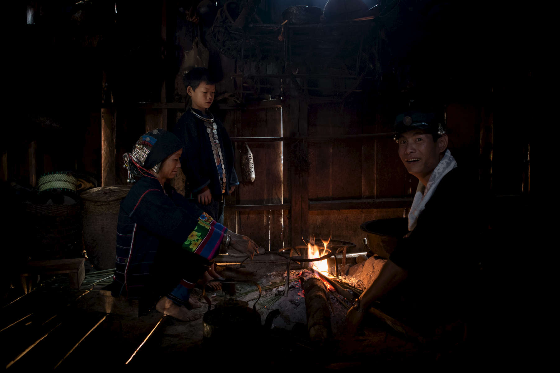laos-ethnic-group-akha-kitchen-photo-by-cyril-eberle-CEB_6157