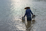 laos-farmer-mekong-photo-by-cyril-eberle-CEB_0332