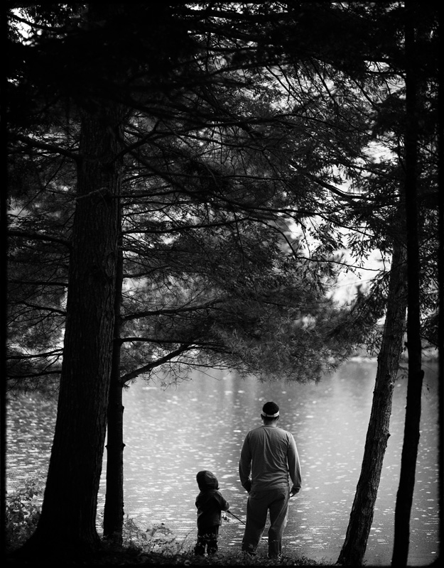 fall_lake_cottage_documentary_family_photography_002